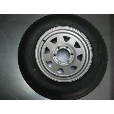"Rueda Nissan 205-R16"""