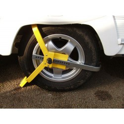 "Lightweight Wheelclamp - Caravan 12"" - 15"" wheel"